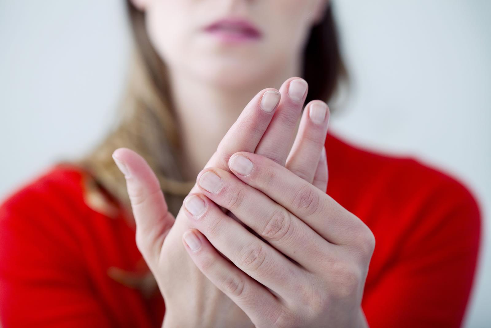 Sclerodermia Sistemică – cauze, simptome, diagnostic și tratament